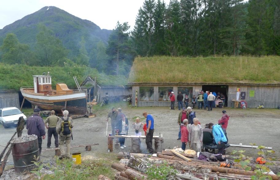Skog og handverksdag 25. august 2012